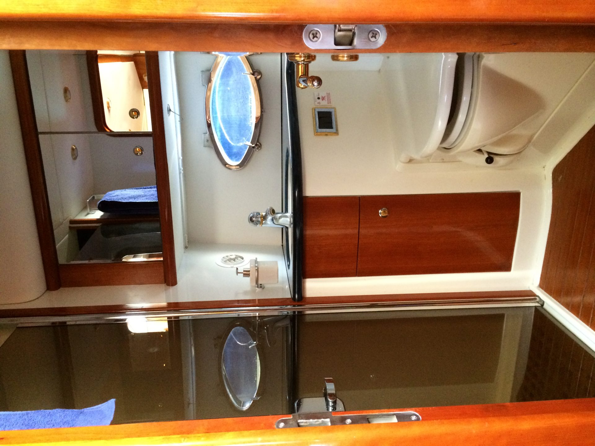 Predator60 Boatsibiza 9 Bathroom