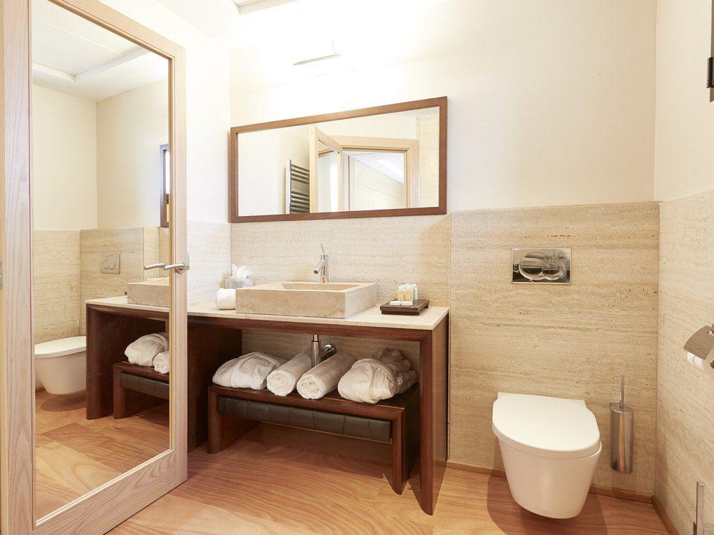 2 Bedroom Family Suite Q543zy2e63