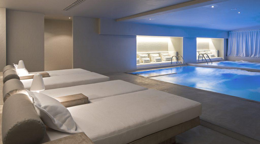 aguas-indoor-pool