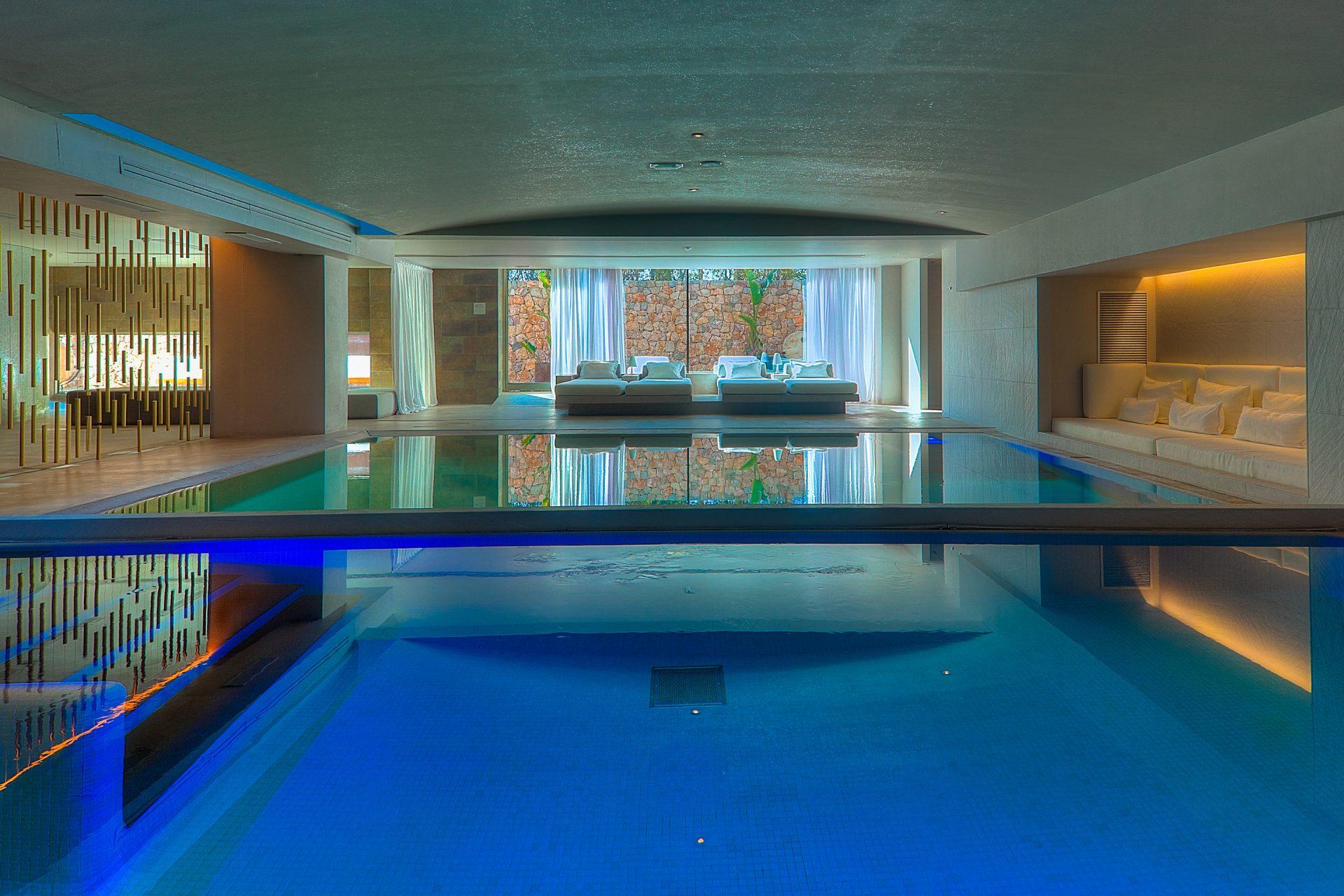 aguas-indoor-pool2