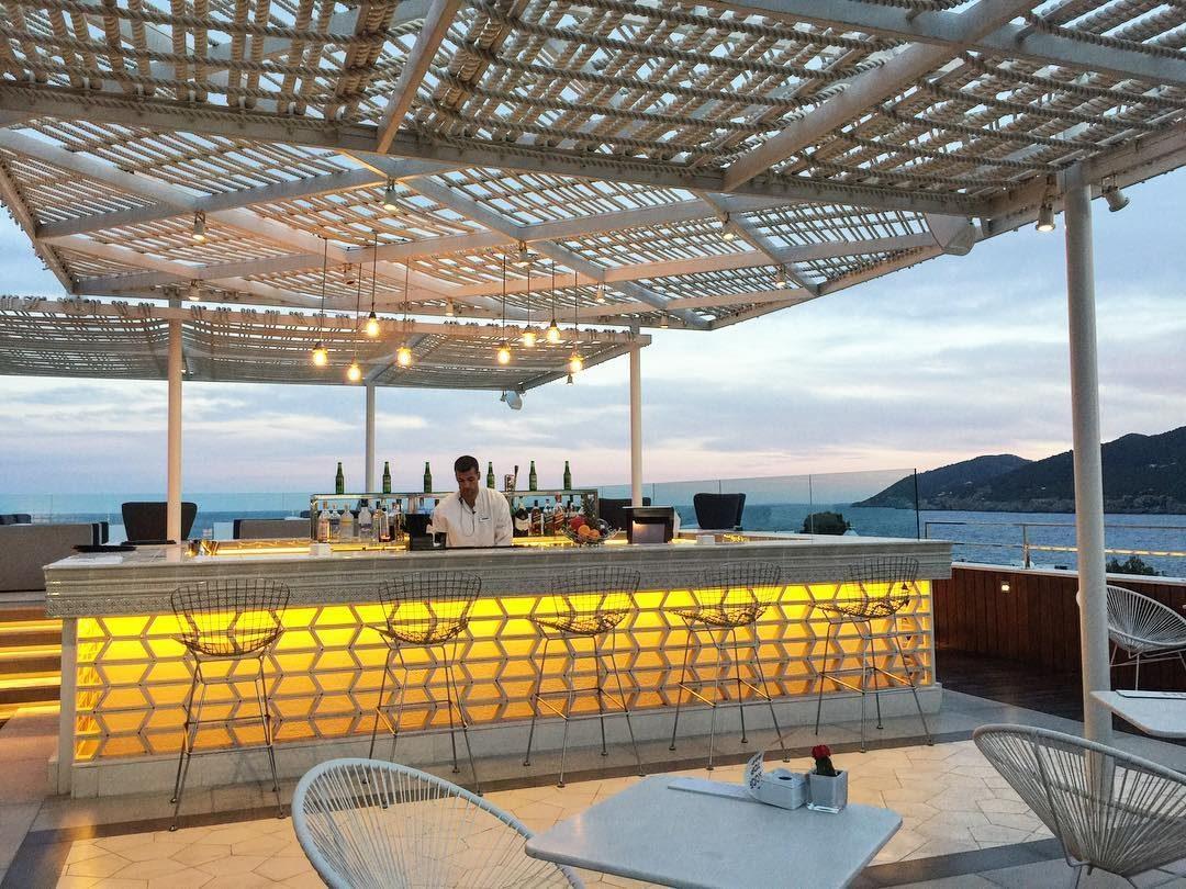 aguas-rooftop-bar