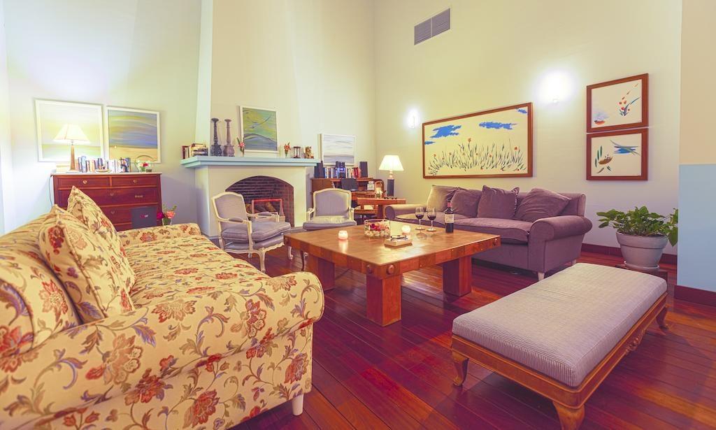 Canarabi Lounge 2