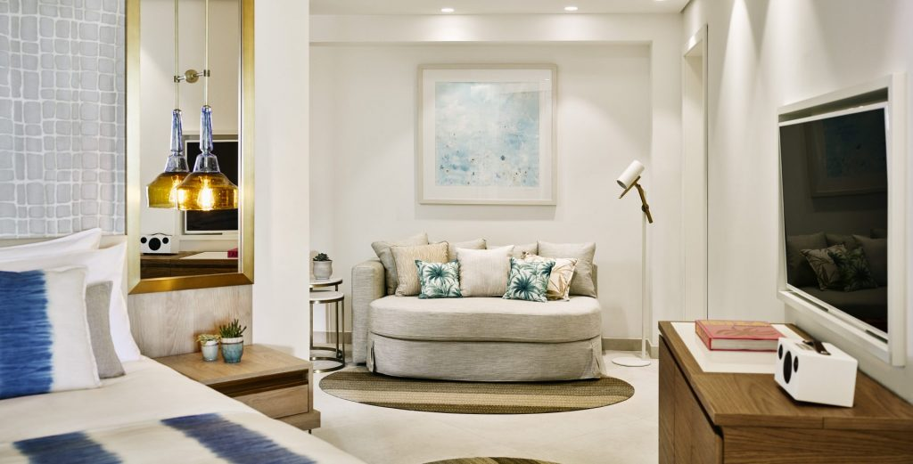Deluxe Suite Sea View 2