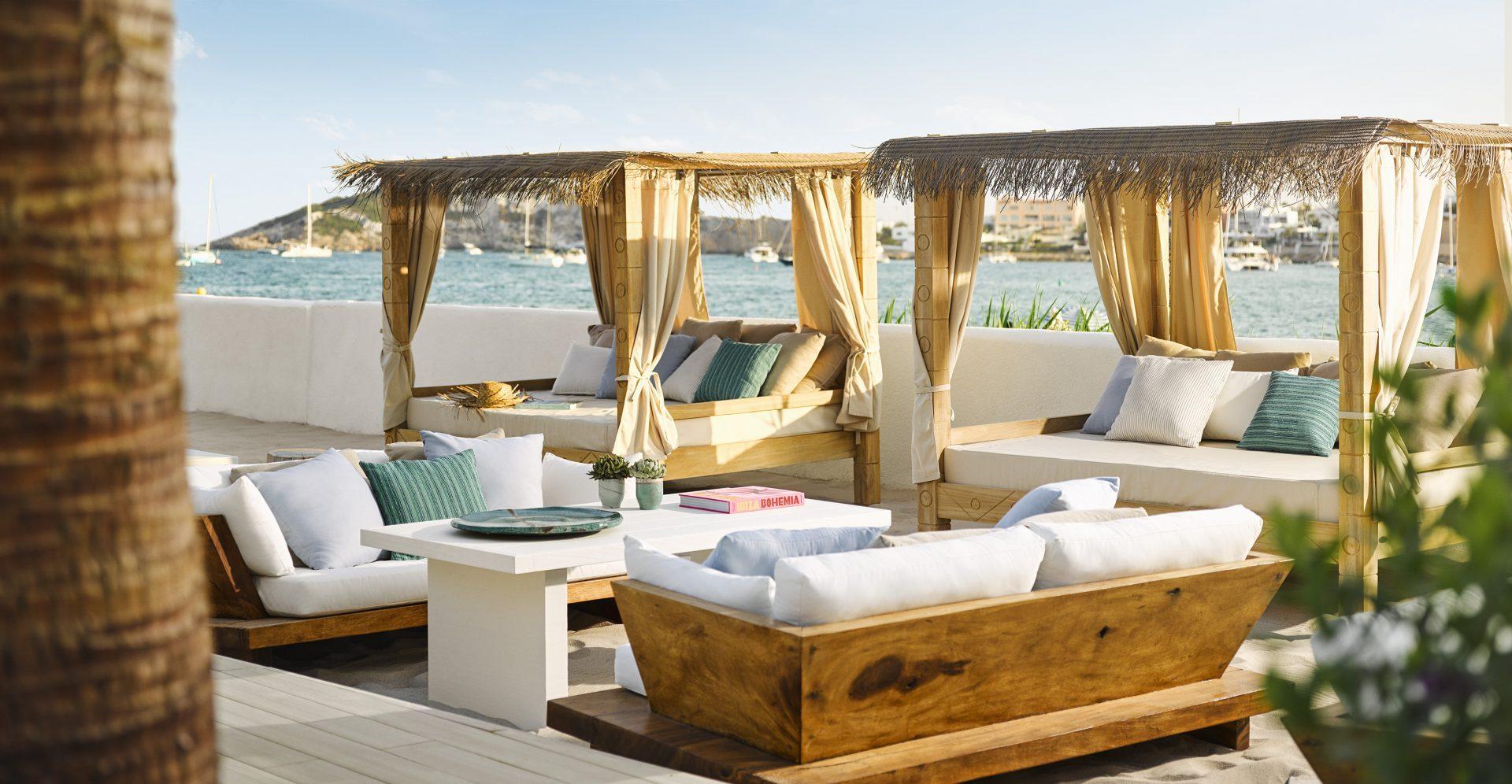 Family Pool Cabana
