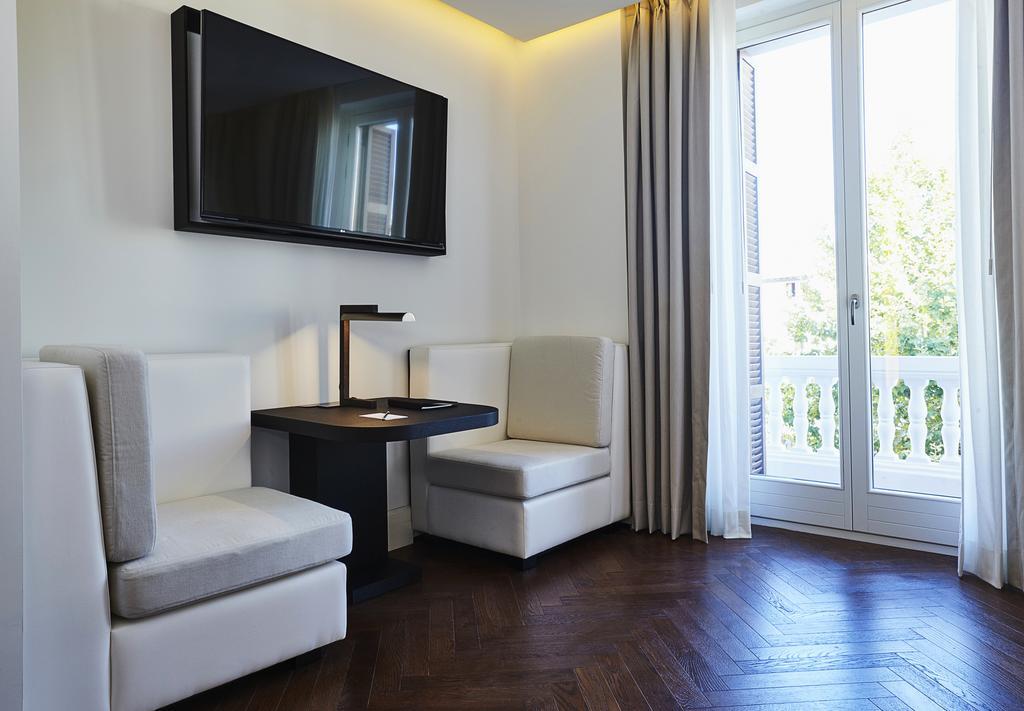 Montesol Room 7
