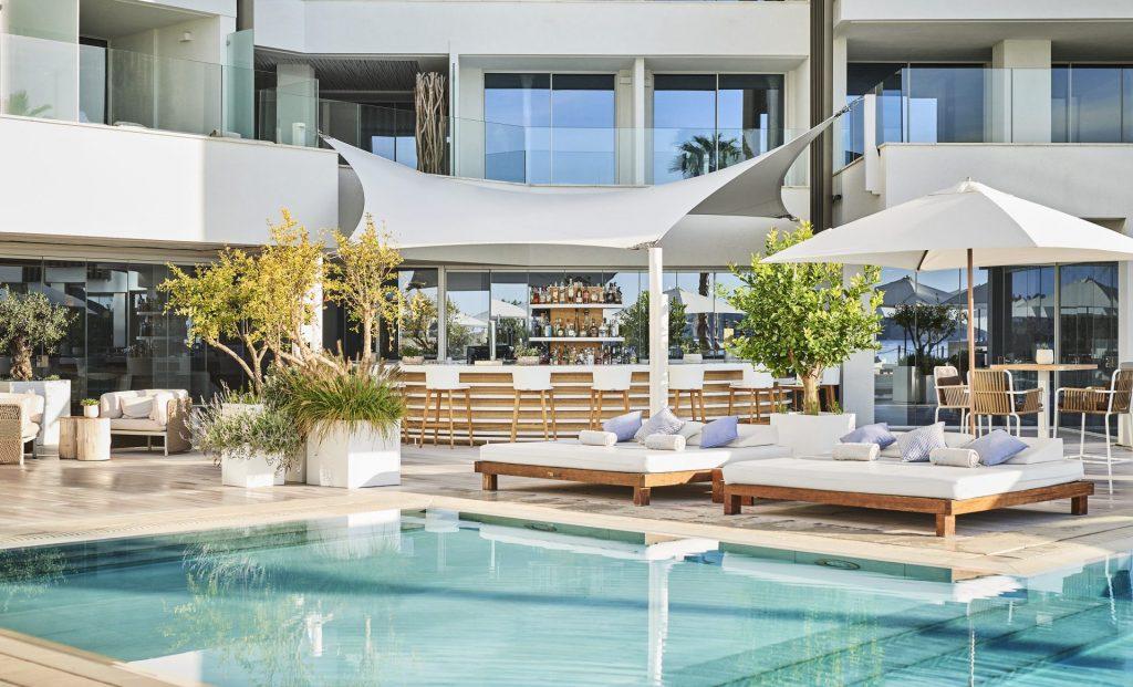 Pool Bar I
