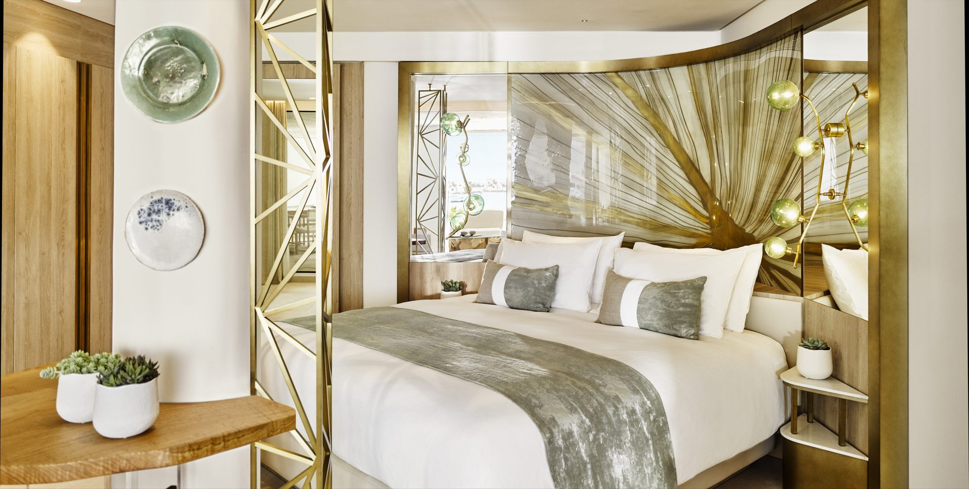 Royal Suite III