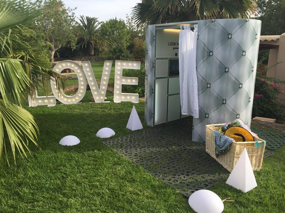 Party Ibiza Photo Booth And LOVE Letters