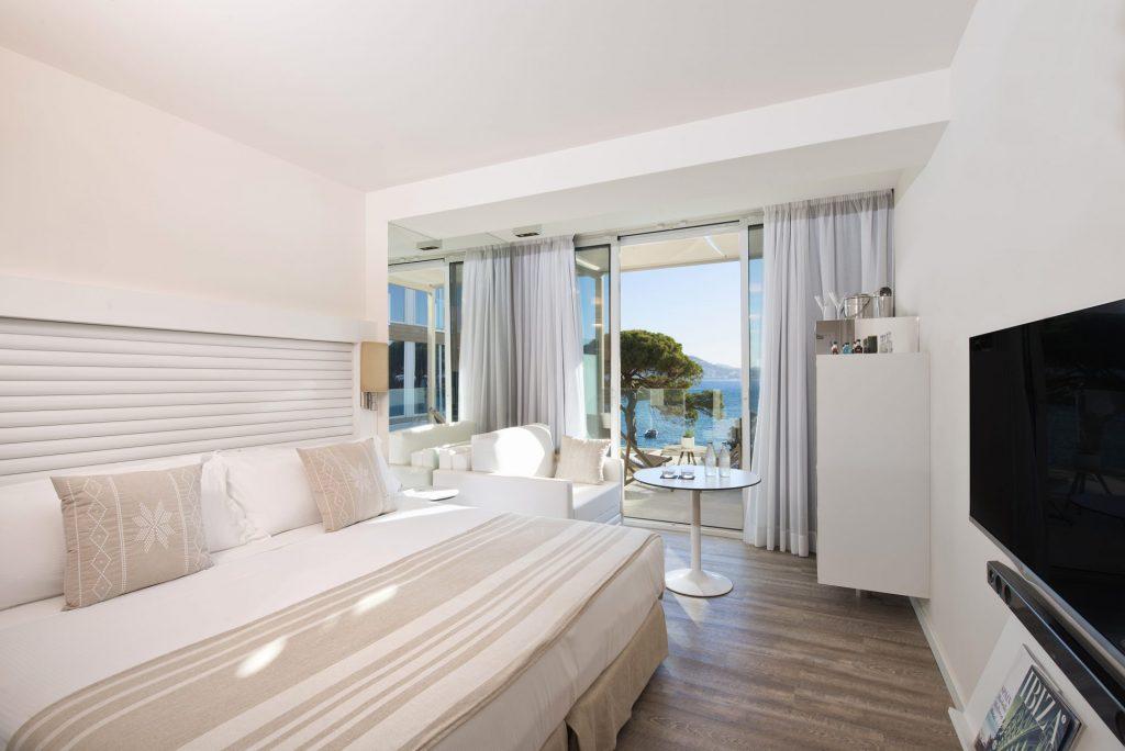 105ME Ibiza Mode Room