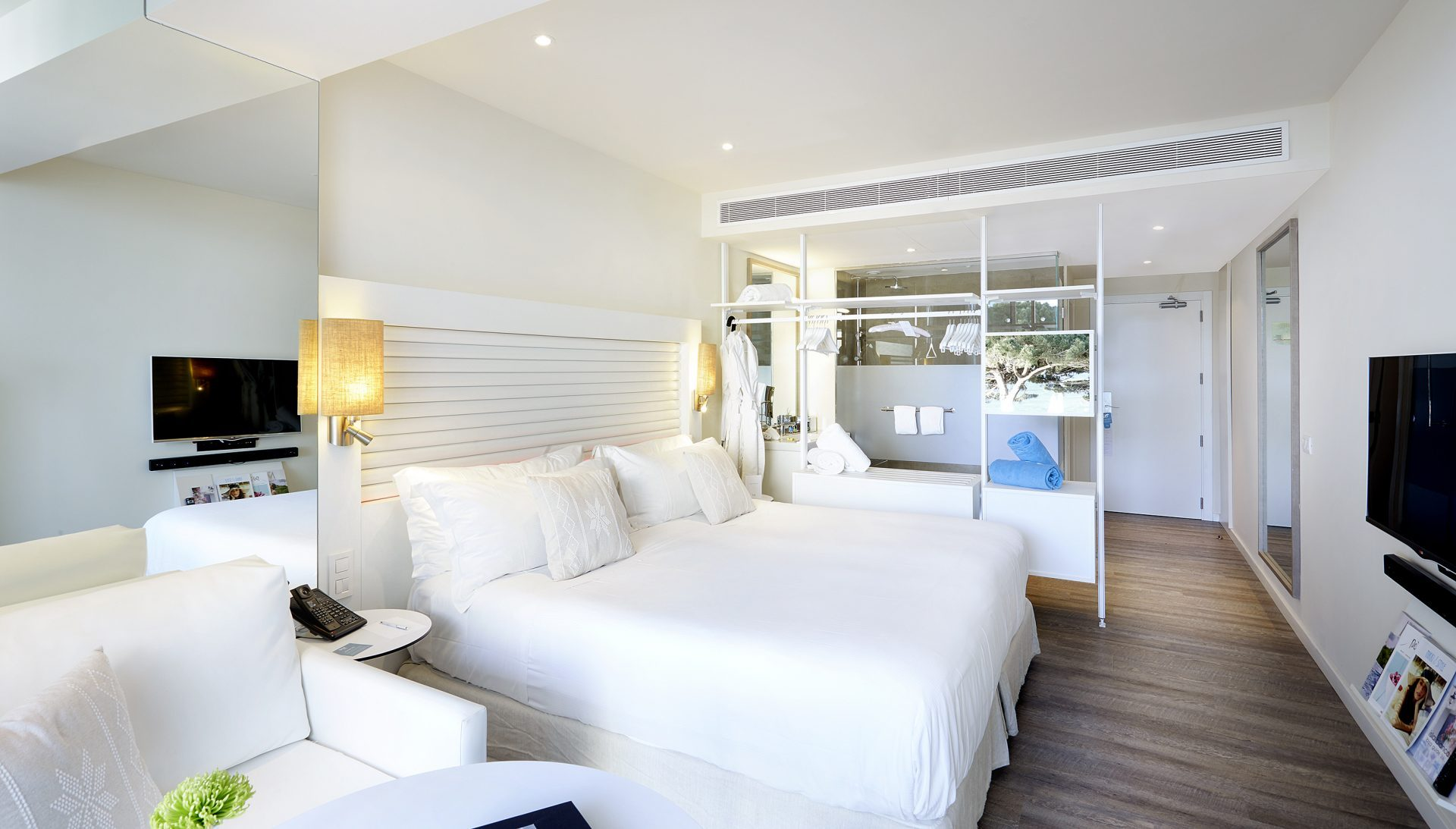 108bME Ibiza Vibe Room