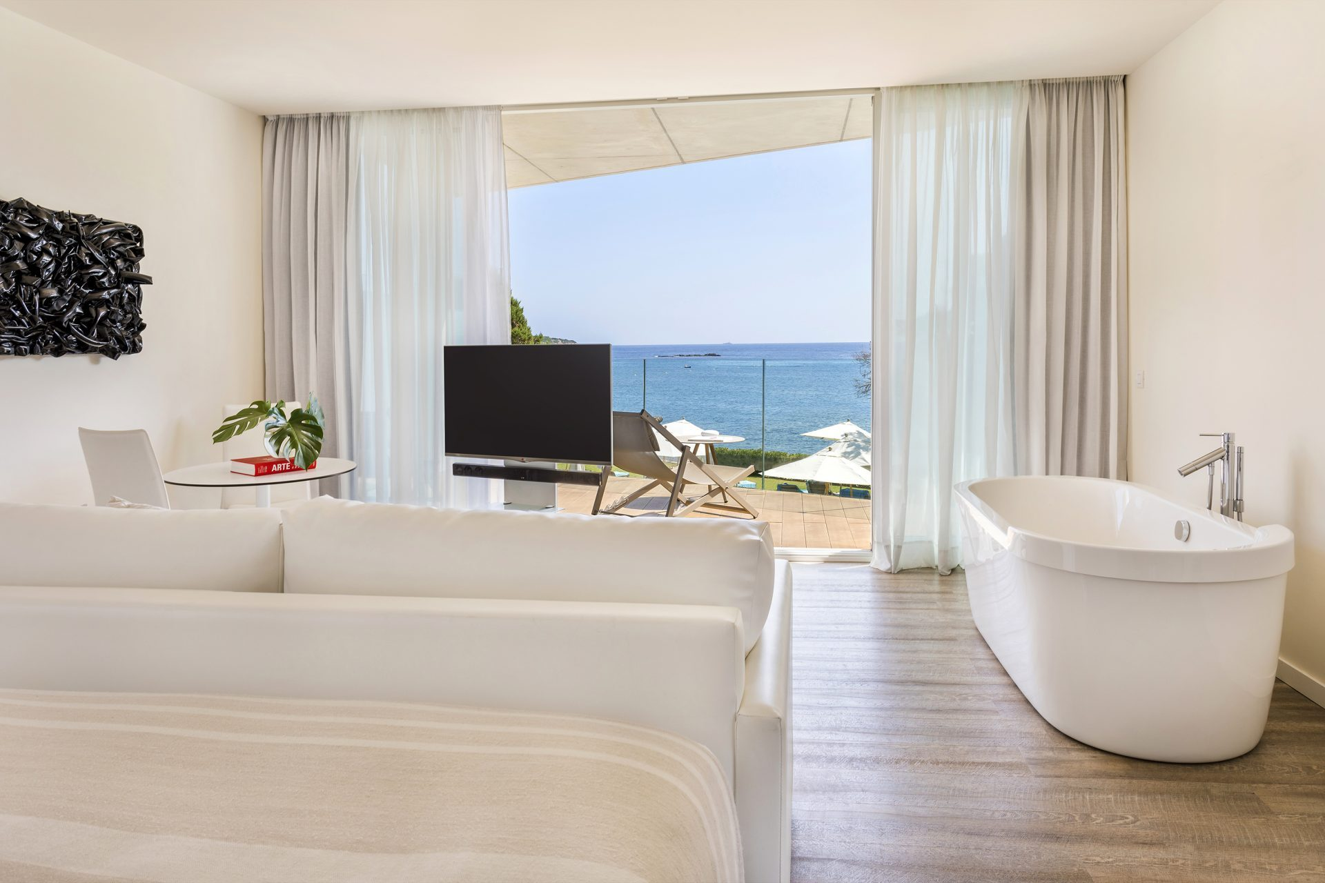 122aME Ibiza Suite Chic