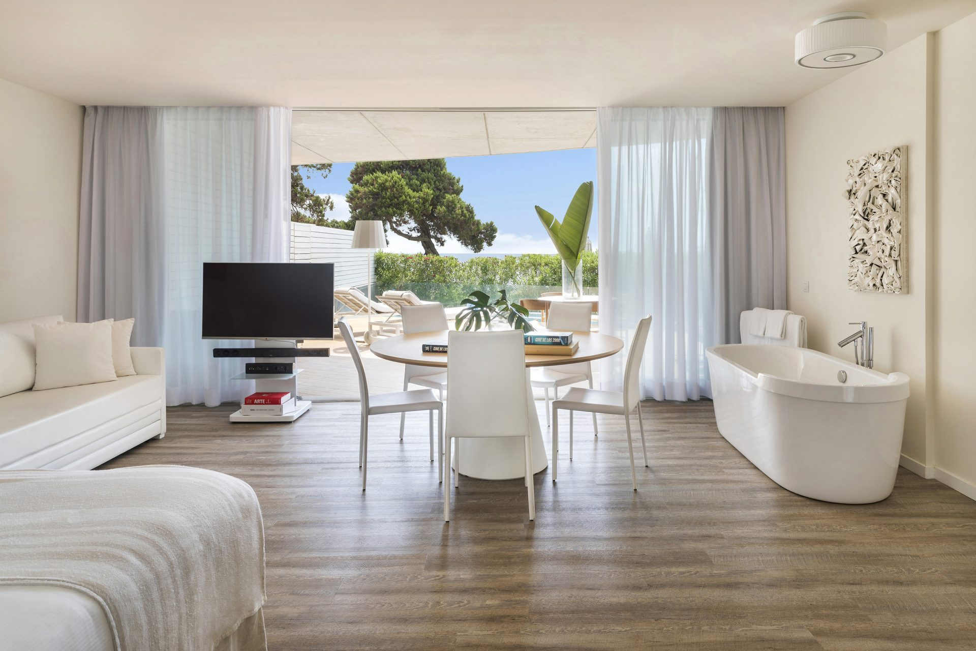 124aME Ibiza Art Suite3