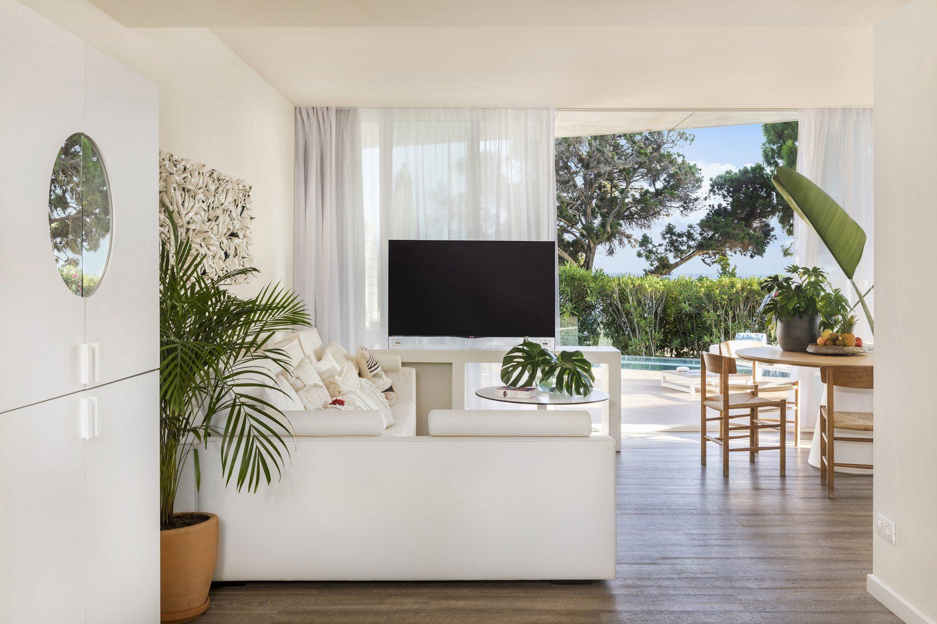 126bME Ibiza Suite ME