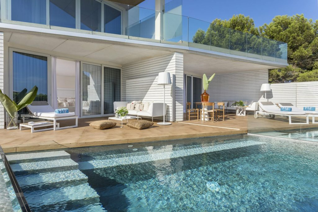 127cME Ibiza Suite ME Terrace Pool
